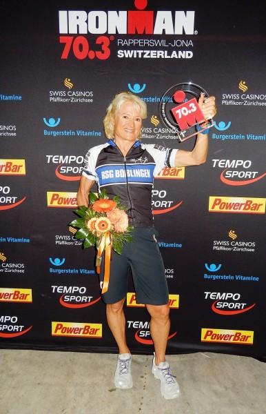 Ulrike Bäuerle bei der Siegerehrung