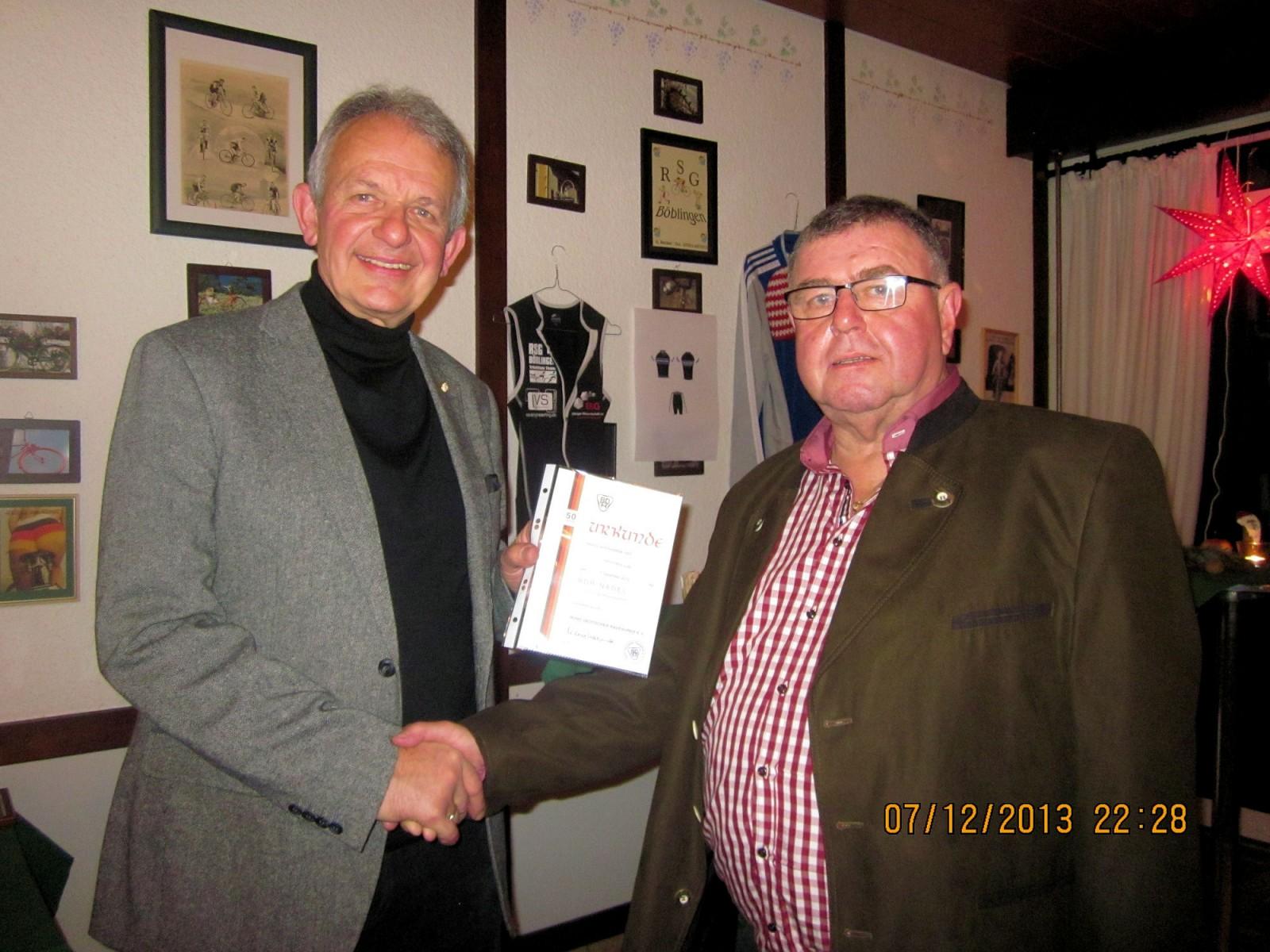 Ehrung Hans Lutz für 50 Jahre Mitgliedschaft im BDR durch Ulrich Faust