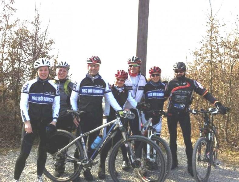 Von links: Unsere Mountainbiker Claudi Kohler, Jutta Zechling, Klaus Scheele, Ulrike Bäuerle, Michael Klose, Vera Mayer und Manfred Stäbler